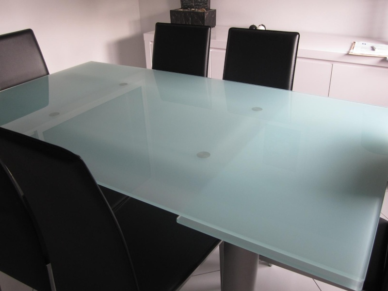 Table en verre d poli 6 chaises for Table en verre a rallonge