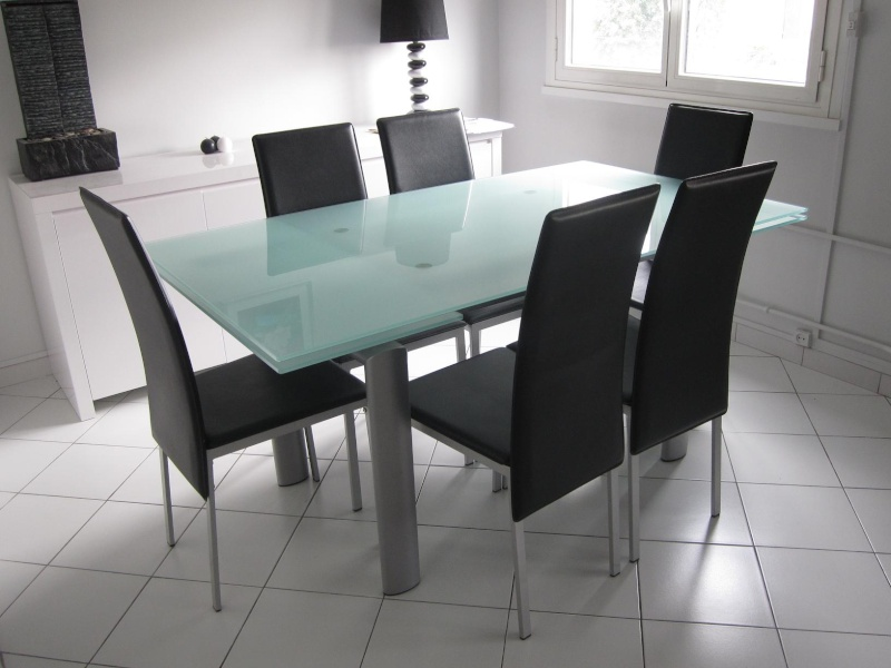 Table En Verre D 233 Poli 6 Chaises