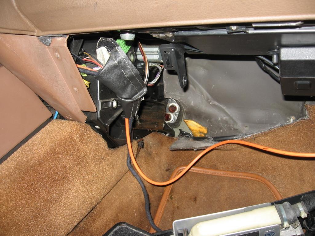 reportage photo changement du radiateur de chauffage r25 sans tomber le t b. Black Bedroom Furniture Sets. Home Design Ideas