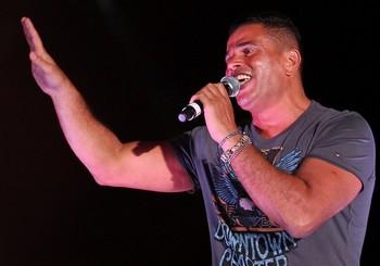 اغاني عمرو دياب في حفلة ابو ظبي   تحميل اغانى حفله عمرو دياب فى ابو ظبى