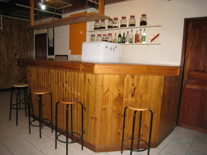 Relooking location chambres meubl es for Meuble bar a boisson