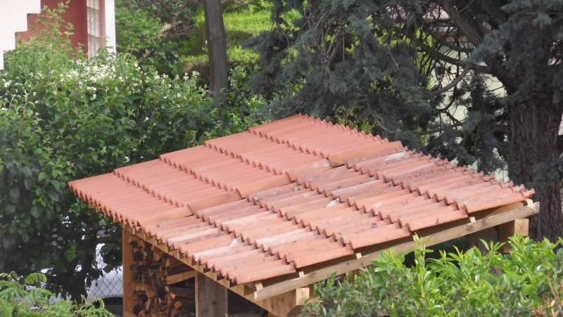 Fabrication d 39 un abris bois page 2 for Pose tuile canal sur muret
