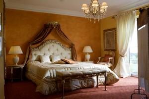 Phury und Cormia Schlafzimmer